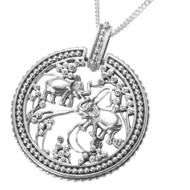"""Shipton and Co Ladies Shipton and Co  Silver Elephants Circle Pendant including a 16"""" Silver Chain  PQP165NS"""