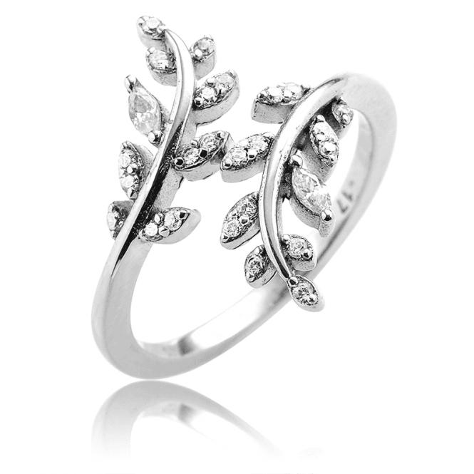 Easy-fitting Leaf Sparkle Ring