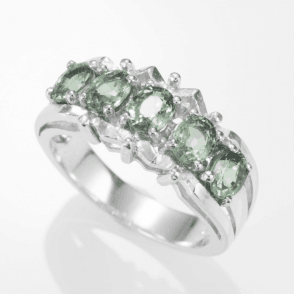 2.6cts of Luxurious Green Sapphire