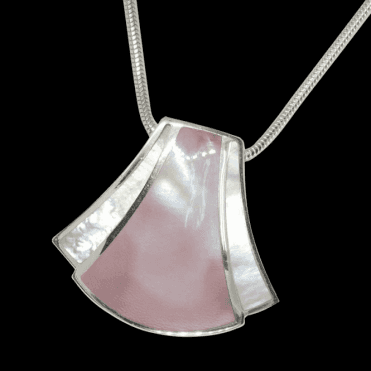 "Ladies Shipton and Co Exclusive Silver Art Deco Mother of Pearl Pendant including a 16"" Silver Flexisnake Chain TKW254PM"