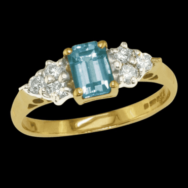 Ladies Shipton and Co Exclusive 9ct Yellow Gold Octaganol Aquamarine and Diaomnd Ring RYX091AQ