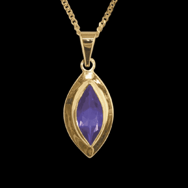 "Ladies Shipton and Co Exclusive 9ct Yellow Gold and Amethyst  Pendant including a 16"" 9ct Chain  PY1879AM"