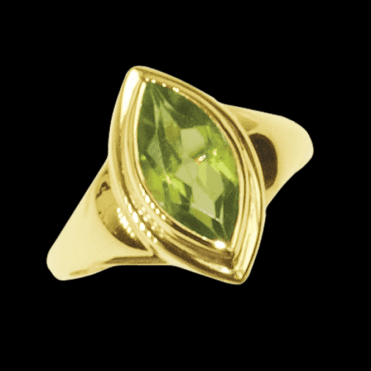 Ring 9ct 1880 12x6 Mq. Peridot