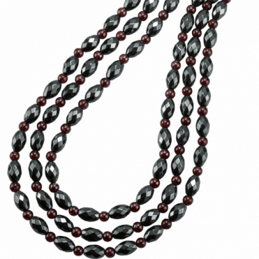 Ladies Shipton and Co Exclusive Three Row Silver and 8x6mm Oval Faceted Hematite with Small Round Garnet Beads 18 Inches Long BSS080HMGR