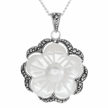 Ladies Shipton and Co Silver and Mother of Pearl Pendant including a 16 Silver Chain TLD006PM