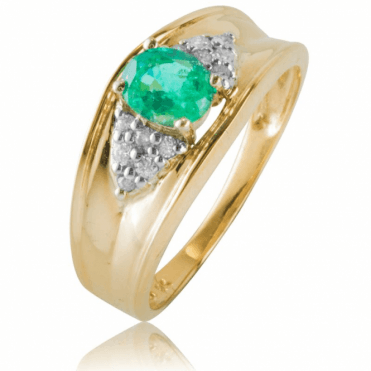 Folds of Gold Enclose a Magnificent 0.65ct Emerald