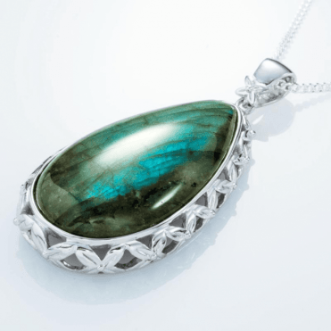 "Ladies Shipton and Co Exclusive Silver and Labradorite Pendant including a 16"" Silver Chain PQA404LB"