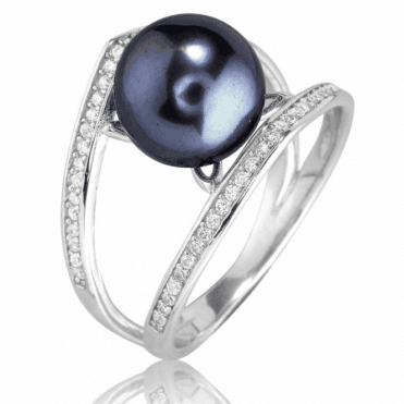 Hathaway Ring with Exciting Black Pearl