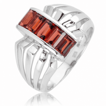 Architectural Finesse for 2.15cts of Garnet Baguettes