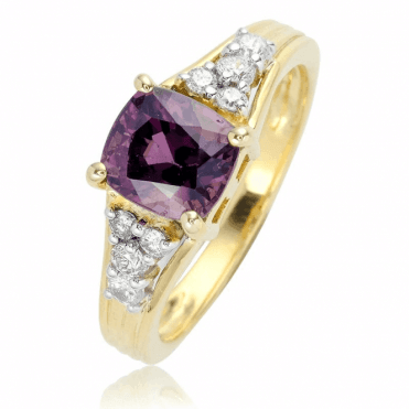 Luxurious 2.2ct Spinel Recalls a Royal Heritage