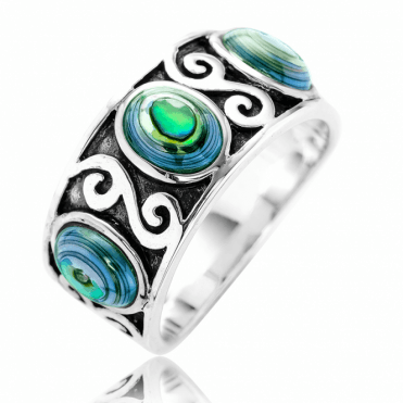 Pontos Ring Embodies the Spirit of the Sea