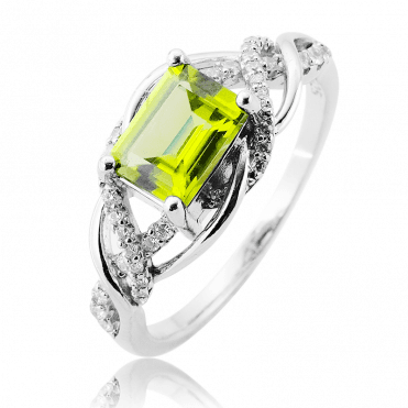 Sumptuous 1½ct Peridot in a Topaz & Silver Setting