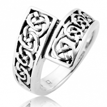 A Comfortable Celtic Hug of a Ring