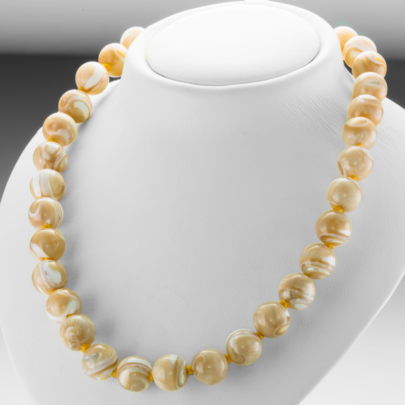feb0c3800a7f7 Ladies Shipton and Co Silver and Mother of Pearl Bead Necklace BFE048PM